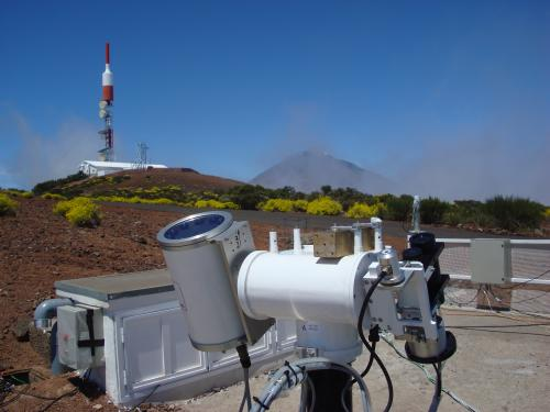 Near Infrared instrument pointing to the Sun during the campaign at the Izaña Observatory on Tenerife.